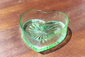 Heart shaped depression glas bowl