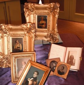 Various frames with portraits inside